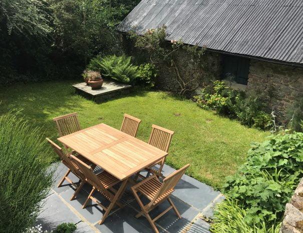 Deans Phot H F Cottage Garden